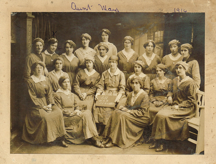 1914 18 Women Munitions Workers On War Service, Dublin, Photograph And  Letters.