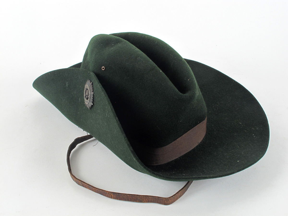 56973c0be81 1916 Irish Citizen Army uniform slouch hat and ammunition pouch. at Whyte s  Auctions