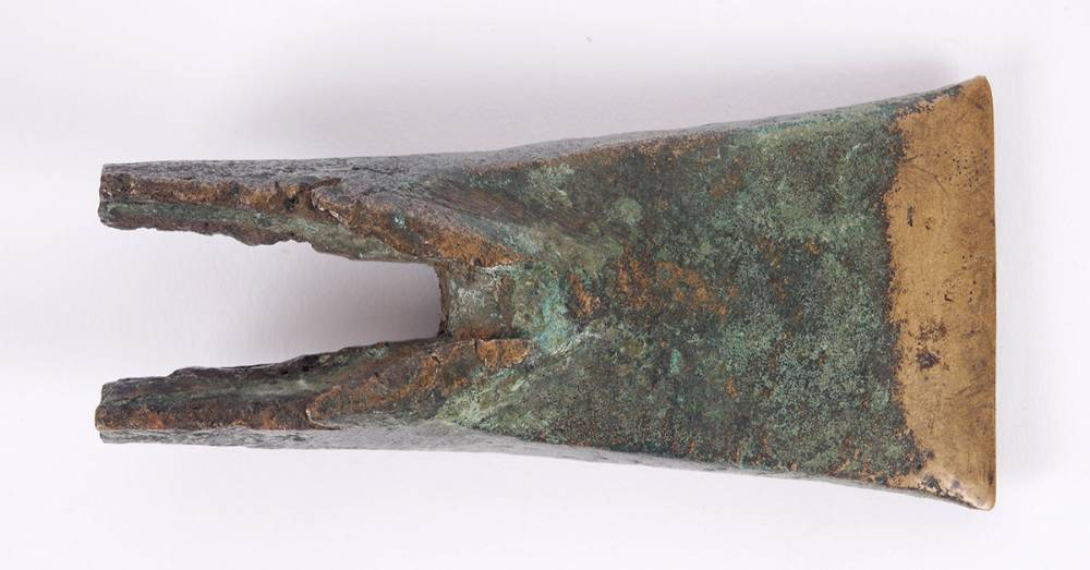 2nd Millennium BC Bronze age Irish Axehead with v-cleft at Whyte's Auctions